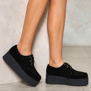 Black widow gays suede chunky shoe